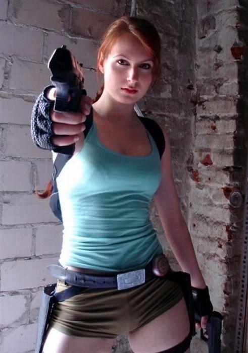 http://2.bp.blogspot.com/_mmBw3uzPnJI/TLVzdVL58gI/AAAAAAABq8s/FChMamw7qJ0/s1600/lara_croft_cosplay_07.jpg