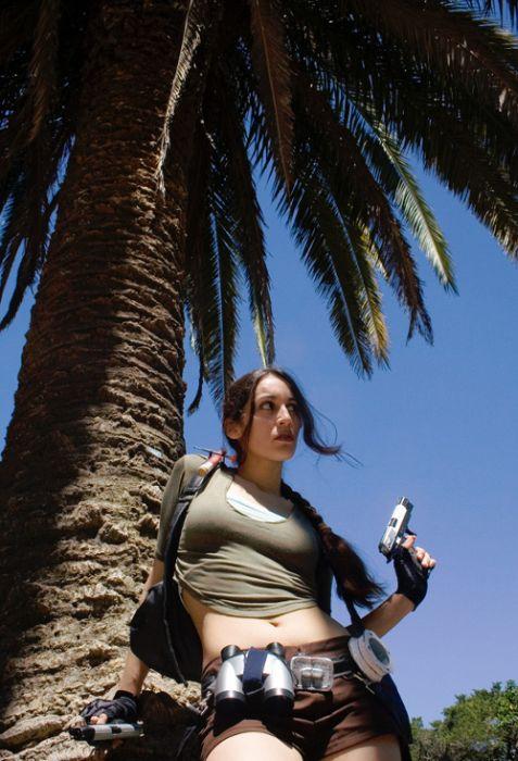 http://2.bp.blogspot.com/_mmBw3uzPnJI/TLVzmWwNB6I/AAAAAAABq9E/RXzGWeMIWNM/s1600/lara_croft_cosplay_04.jpg