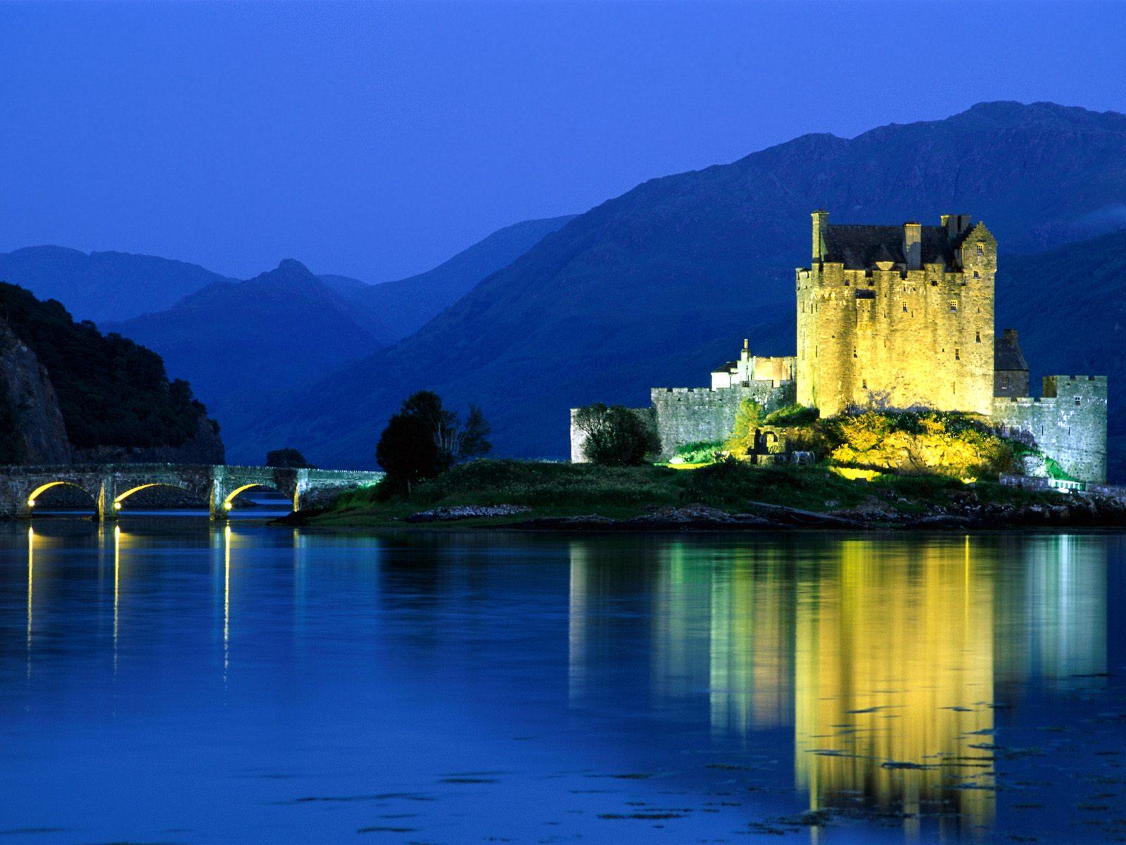 http://2.bp.blogspot.com/_mmBw3uzPnJI/TO6n2_1ComI/AAAAAAABxe4/vctKZAe78fE/s1600/Eilean-Donan-Castle-Loch-Duich-Scotland.jpg