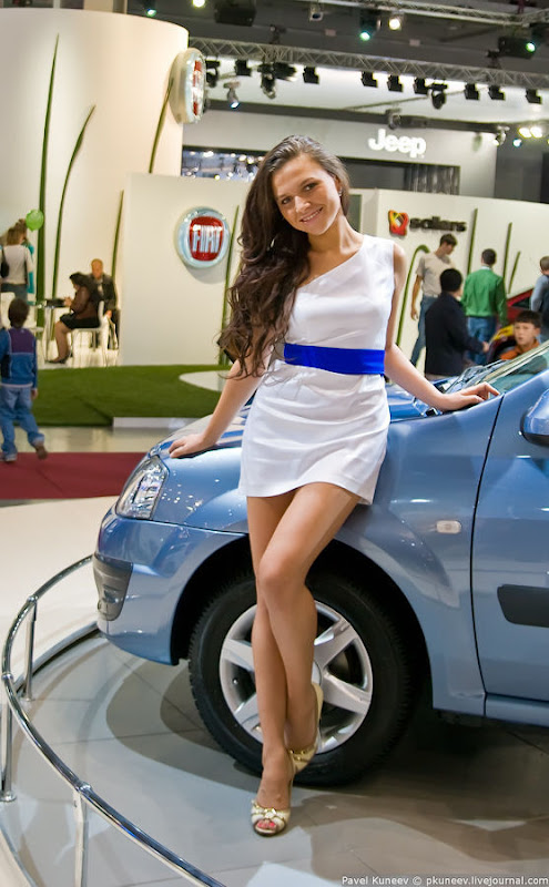 Girls of Moscow International Automobile Show gallery pictures