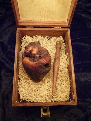 [Image: mummified_vampire_heart_03.jpg]