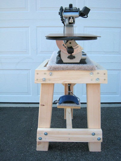 Home Made Scroll Saw http://scrollsawworkshop.blogspot.com/2010/03/home-made-scroll-saw-stand-by-kenneth.html