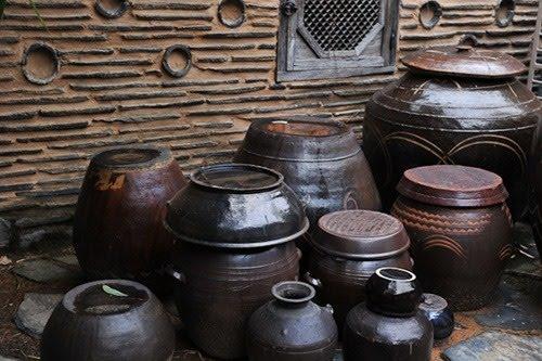 http://2.bp.blogspot.com/_moMSKyLB7Jk/S6DHMPmrjaI/AAAAAAAAA-o/rrcZejDbr5Y/s1600/hanok+pottery.jpg