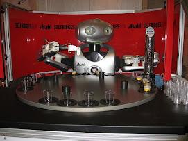 Los robots ya ponen cervezas en un bar del Japón