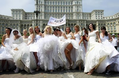 World Record for the largest bride parade