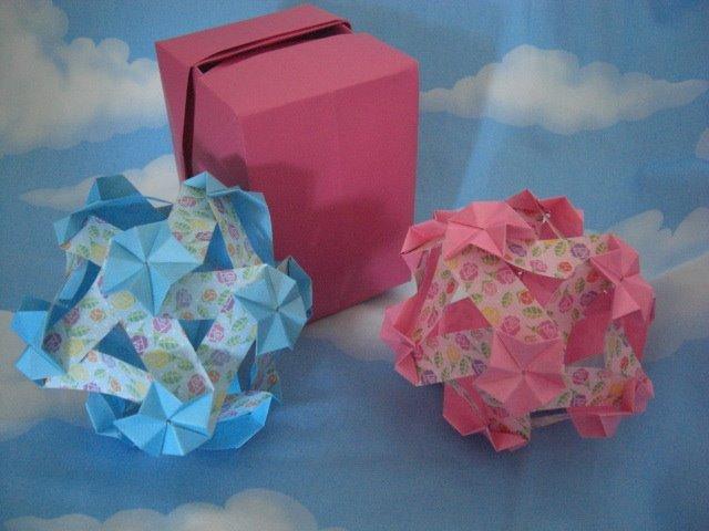 Transformando papel em surpresas!  Encadernação artesanal e origamis.