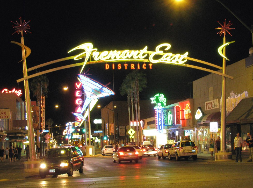 What 39 S Happening Vegas Friday Night On Fremont Street Downtown Las Vegas