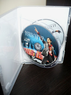 Michael Jackson's THIS IS IT Two-Disc Special Edition Polish Edition dvd1 label