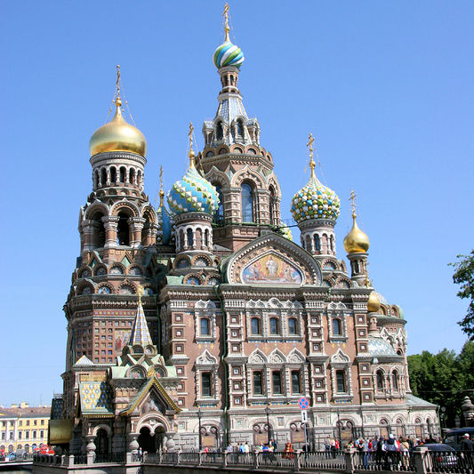 The glory of church of the savior on blood is impressive and tells the