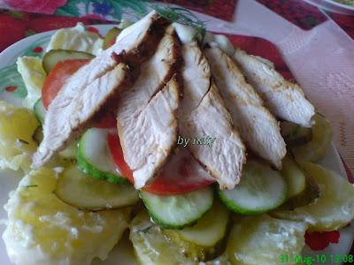 Articole culinare : Salata in straturi cu pui
