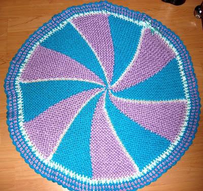 LOOM KNITTING AND SOMETHING ELSE: Pinwheel Baby Blanket fourth version