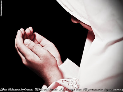 http://2.bp.blogspot.com/_mv-FXx8AvBQ/SlrtobC0xDI/AAAAAAAAAEA/NdYb-t41PDg/s400/berdoa1.jpg