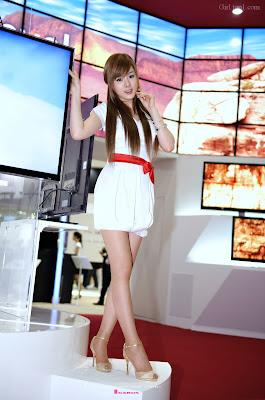 Hwang Mi hee WIS 24 Hwang Mi Hee – World IT Show 2010