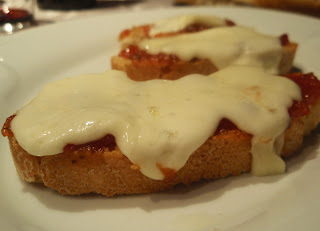 mermelada de tomate con queso gratinado