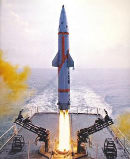 http://2.bp.blogspot.com/_mveHL3n_4ME/THHnjA84TeI/AAAAAAAAD6g/H3E6a3uB3e4/s1600/nuclear-missiles-691.jpg