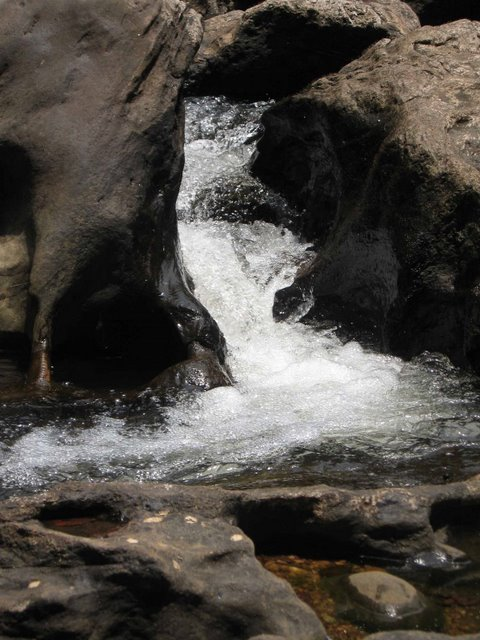 Thommankuthu waterflow