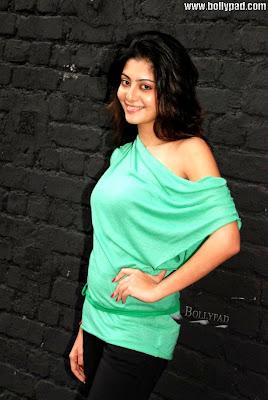 Neha Oberoi Pictures