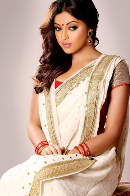 Tanushree Dutta Looking in this Photoshoot image