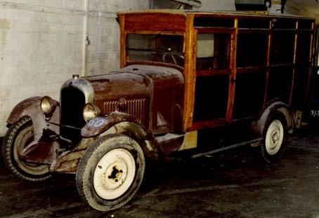 le garage de la nationale 7 citro n b12 camionnette 1926 01 arriv e dans le garage. Black Bedroom Furniture Sets. Home Design Ideas