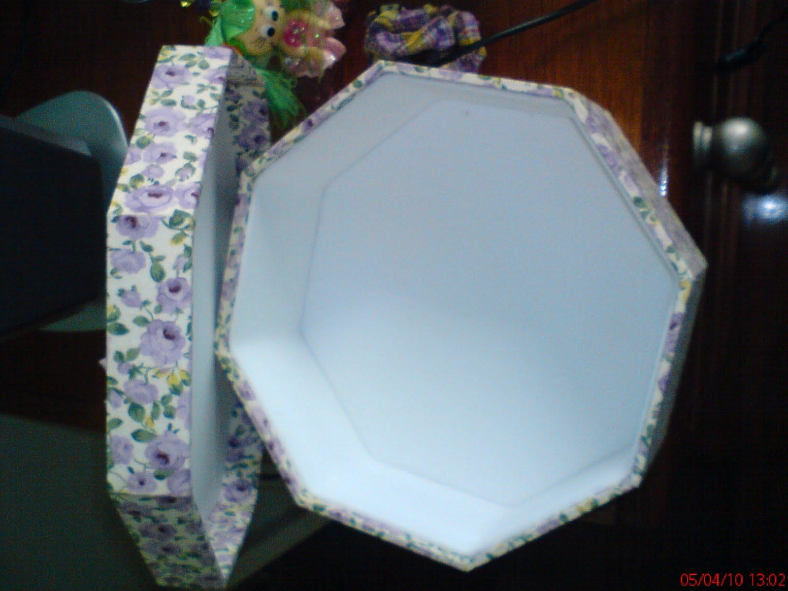 Coisa Bonita Artesanato: Caixa de madeira forrada com tecido e EVA #63382C 1600x1200