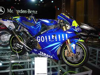 YAMAHA motogp MOTOR REPLICA IN show