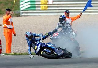 photo accident motogp Race 2 motors