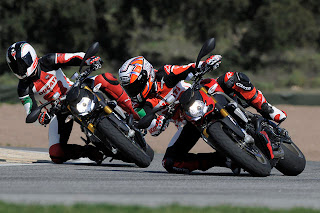 photo review : ducati street fighter Wallpaper