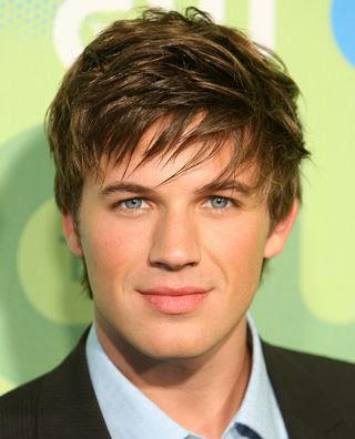 cool short hairstyle for men guys - Kris Allen latest mens hairstyles 2005.