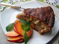 Articole culinare : PRAJITURA CU NECTARINE SI PETALE DE TRANDAFIR