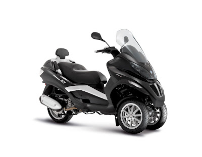 2009 piaggio mp3 250 scooter motorcycle twin wheels. Black Bedroom Furniture Sets. Home Design Ideas