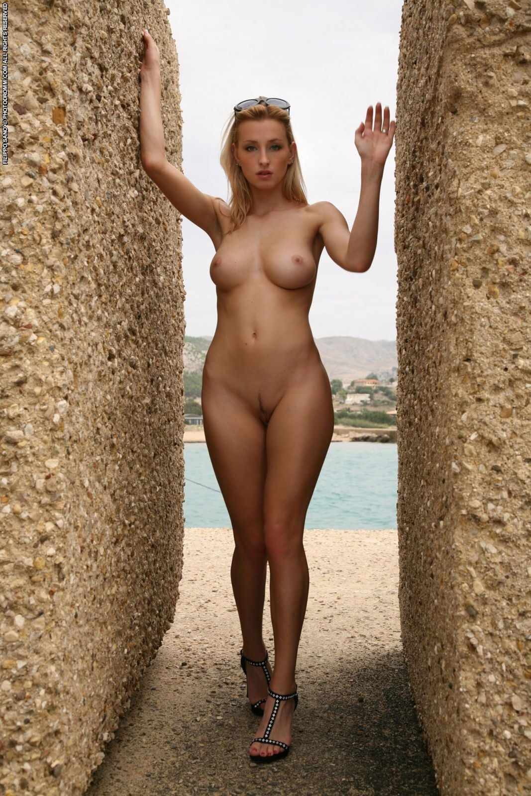 Shaved woman OR Full AND AND (female AND nude frontal