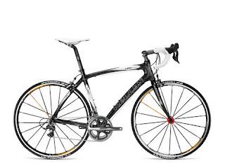 Шоссейный, он же гоночный велосипед.