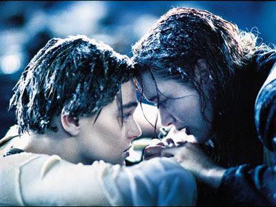 Iconic or memorable movie stills Titanic-Winslet-Dicaprio_l