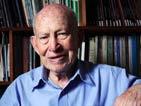 Aos 93 anos, universitário usa sala de aula como terapia