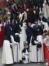 El sobrino de la Canina dando  la Primera Venia en Campana de la Hermandad del Poligono San Pablo