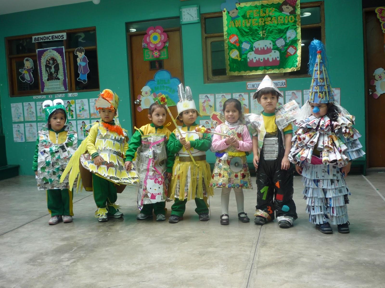 Trajes hechos con material reciclable para niños - Imagui