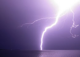 Rayos y tormentas - Lightning and storms