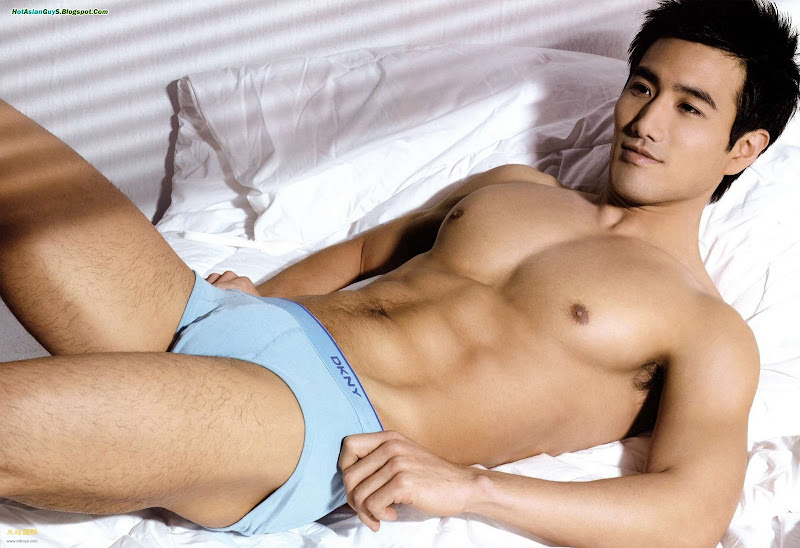 Choi Ho Jin - six pack abs and magnetic smile in briefs