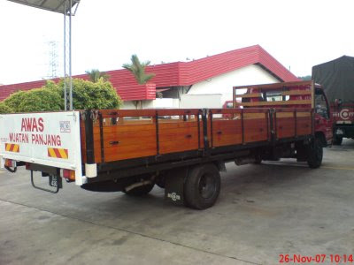 Hi  Perkasa Mtb 150dxl Wooden Body additionally 1993 Ford Econoline E350 Box Truck 75L V8 OHV 291966466318 likewise Tyger Tri Fold Pickup Tonneau Cover Fits 05 14 Toyota Ta a Double Cab With Without Utility Track Includes Utility Track Installatio Kit 5 60 Inch Short Box Trifold Truck Cargo Bed Tonno Cover 9996161 likewise Freightliner Step Van Wiring Diagram further Isuzu Npr For Sale In California C462907 L103772. on isuzu box truck 14 feet