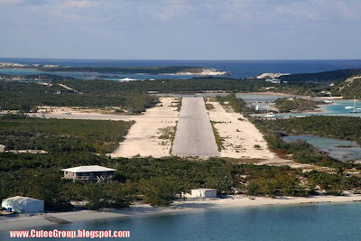 Dangerous RUNWAYS Around The World