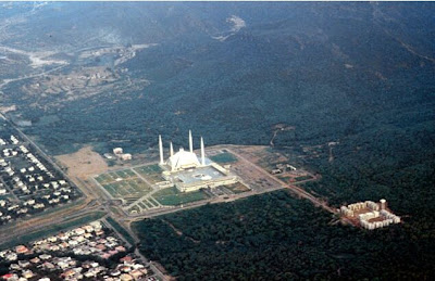 WORLD'S LARGEST MOSQUE..................PAKISTAN Shah Feisal mosque.....Islamabad......Pakistan