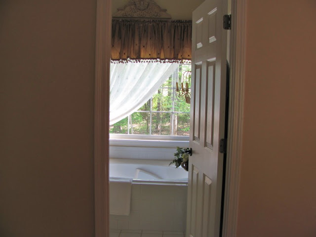 Savvy Southern Style Sister 39 S Master Bedroom And Bath