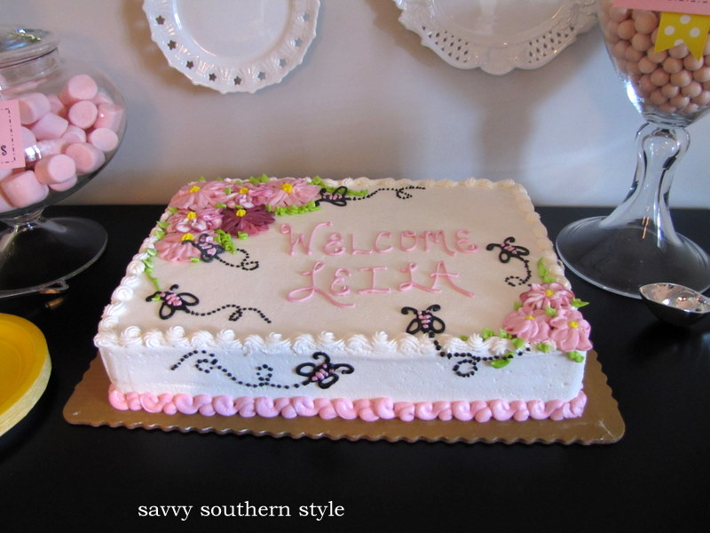 Baby Shower Cakes From Publix http://www.savvysouthernstyle.net/2010/08/baby-shower-part-i.html