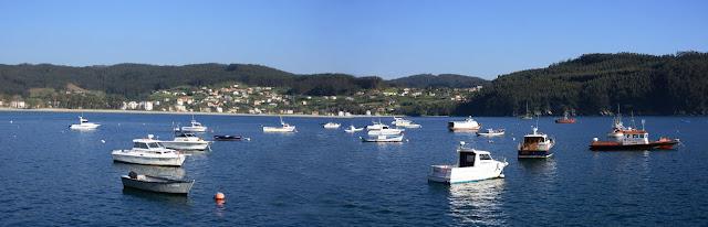 panoramica barcos en cedeira