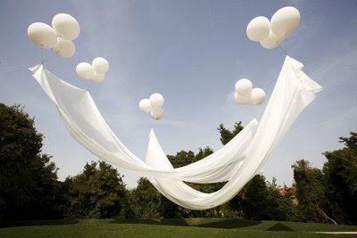 Floating balloon canopy & I Do (x2): Floating balloon canopy