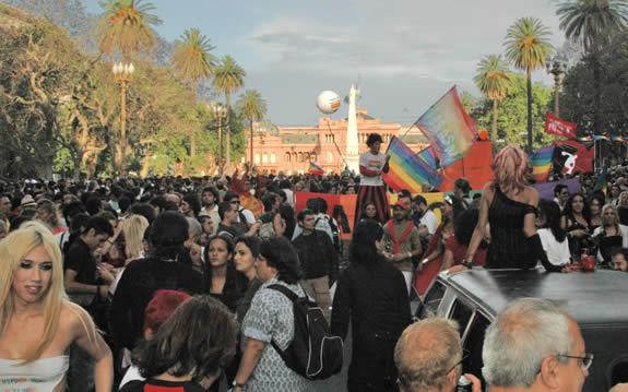 La communauté gay de Buenos Aires a su bien évoluer au fils des années.