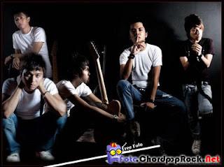 Kertas band Inikah Nikmat Bercinta | Chord Gitar Kunci Gitar