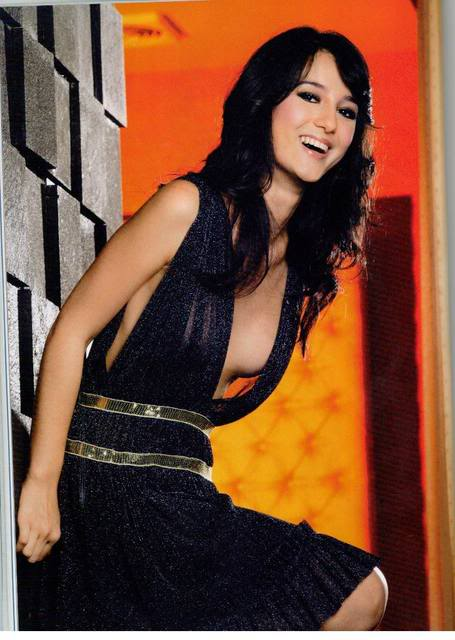 Foto Hot Julie Estelle-bambang-gene.blogspot.com