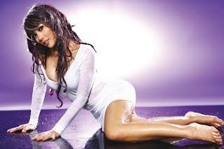 Foto Lusi Rachmawati di FHM Magazine