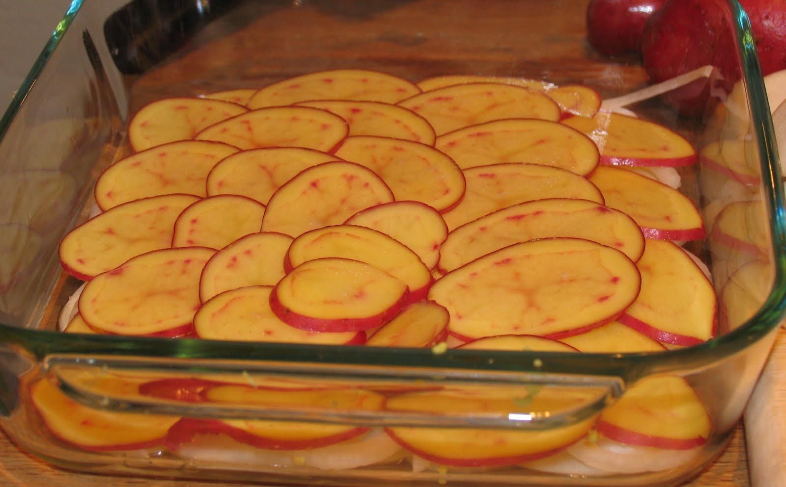 ... Discerning Kitchen: Vegan Mofo Day 8: Scalloped Turnips and Potatoes
